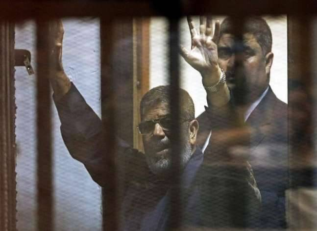 انفوجراف- الرئيس الأسبق محمد مرسي.. قضايا وأحكام