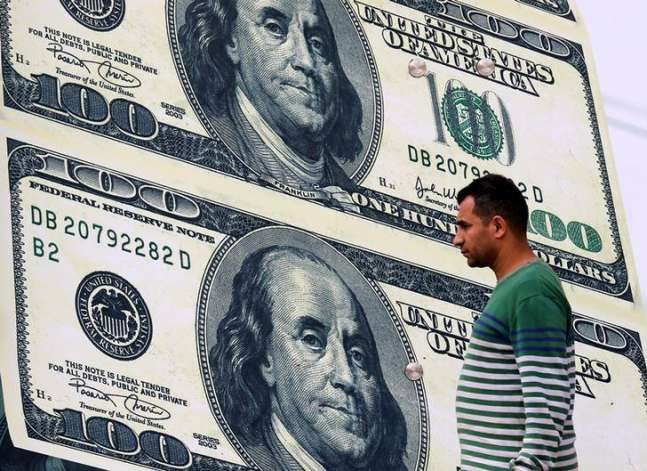 الدولار يتجاوز 18 جنيها في البنوك