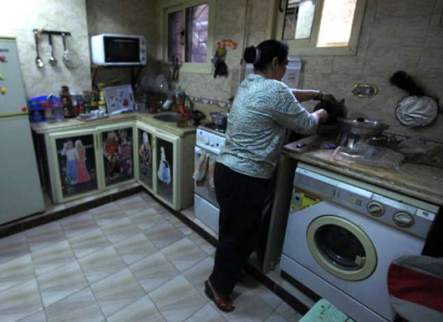 خبيرة دولية: العمل المنزلي أحد أسباب عدم المساواة بين الجنسين في العمل