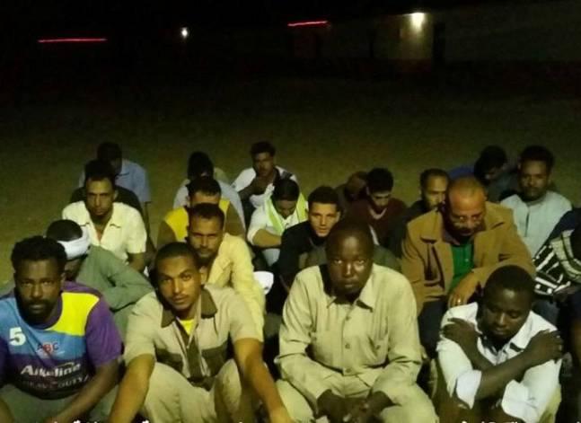 أمن مطروح: إحباط محاولة تسلل 16 شخصا إلى ليبيا