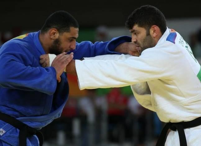 مجلس وزراء إسرائيل: من يرفض مصافحة الخصم غير العرب؟