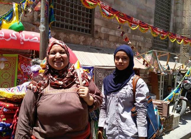 """بالصور- الخيامية.. طريق ربات المنازل لديكور رمضاني """"في المعقول"""""""
