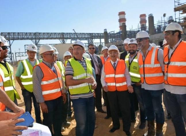 شاكر: تنفيذ 47% من أعمال محطة كهرباء العاصمة الإدارية