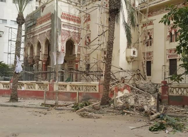 بالصور- انهيار مئذنة مسجد ابن خلدون بالإسكندرية بسبب العواصف
