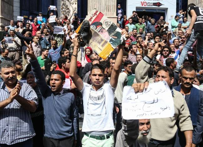 """تجديد حبس 25 من متظاهري""""جمعة الأرض"""" 15 يوما على ذمة التحقيق"""