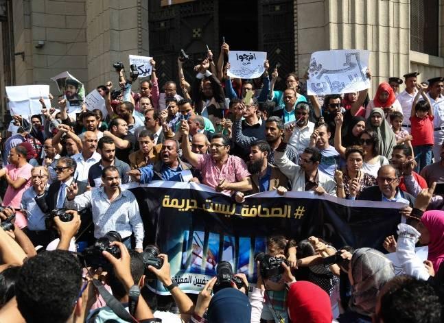 وزير الداخلية في مرمى نيران الغضب بعد اقتحام نقابة الصحفيين