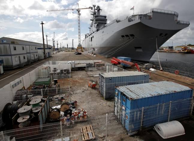 شخصيات عامة وسياسية تطالب بالإفراج عن عمال الترسانة البحرية
