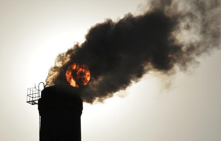وزير البيئة: تنفيذ استراتيجية متكاملة لتقليل تلوث الهواء بالقاهرة