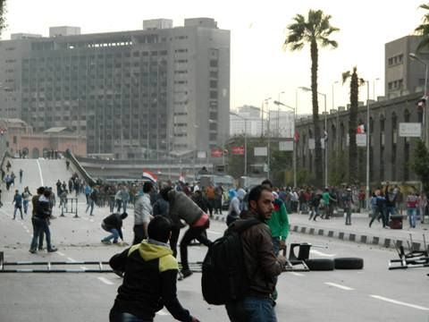 حبس 73 متهما على ذمة التحقيقات إثر اشتباكات بالمطرية ومناطق بالجيزة في ذكرى ثورة يناير