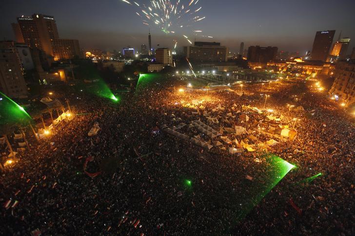 الأمل والحماس وضبابية الرؤية... مشاعر تخيم على وسط القاهرة