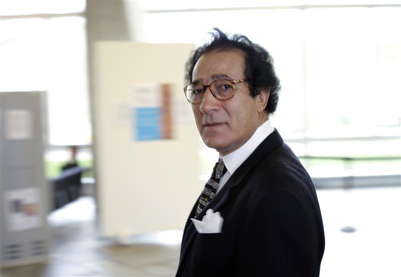 فاروق حسني يقيم أول معرض فني في مصر بعد غياب 4 سنوات
