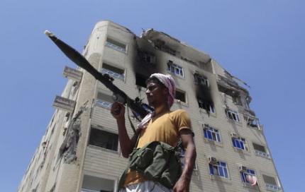 متحدث باسم الجيش اليمني المتحالف مع الحوثيين يعلن موافقة اليمن على هدنة لمدة خمسة أيام