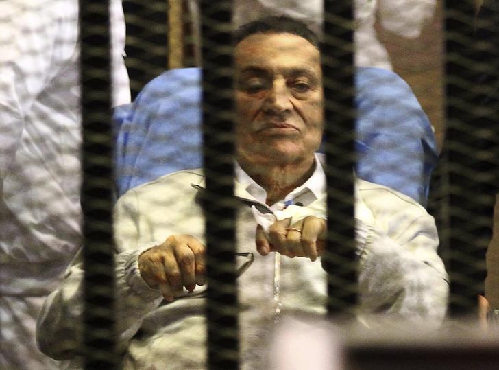 استئناف محاكمة حسني مبارك اليوم في قضية قتل المتظاهرين