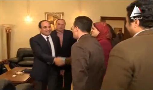 السيسي يلتقي أعضاء حملته لوضع اللمسات الأخيرة لبرنامجه الانتخابي