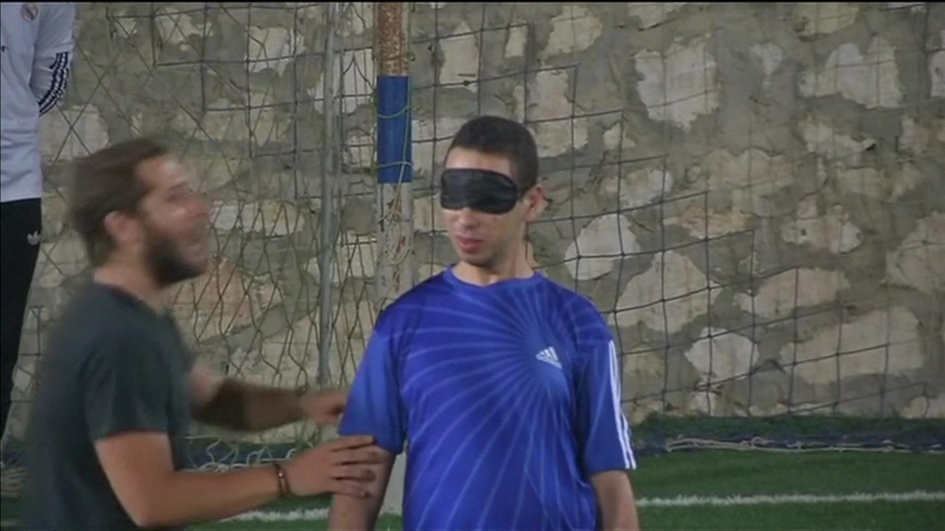 بالفيديو.. لاعبو كرة قدم مكفوفون يأملون في تمثيل مصر في بطولات دولية