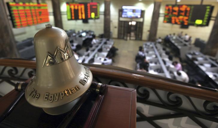 الشركات المصرية تلجأ للتوزيعات المجانية
