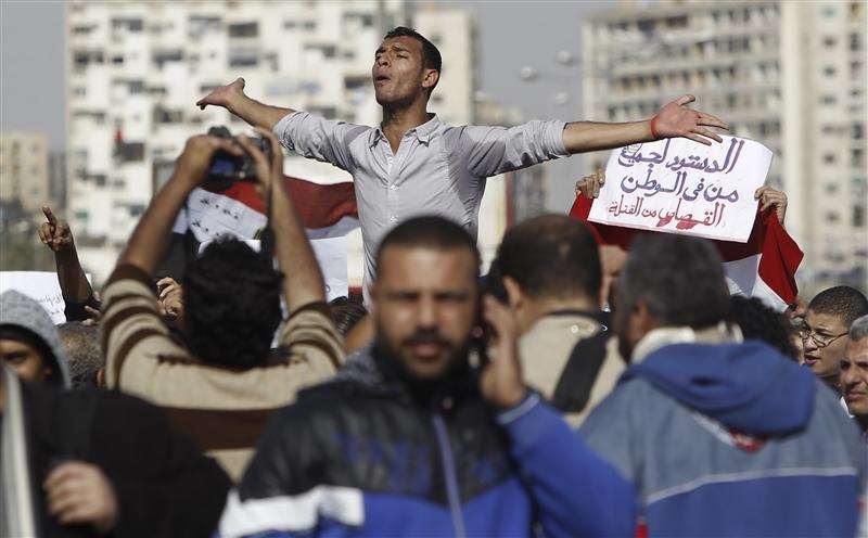 جمعية كتابة الدستور المصري تبدأ عملها وسط أجواء أزمة