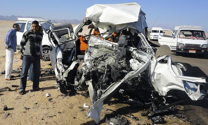 مسؤول أمني: إصابة 21 شخصا في حادث تصادم سيارتين بالطريق الزراعي في سوهاج
