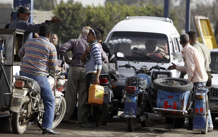 هيئة البترول: الدولة مازالت تدعم بنزين 80 و92 بما يترواح بين 3-4 جنيهات للتر