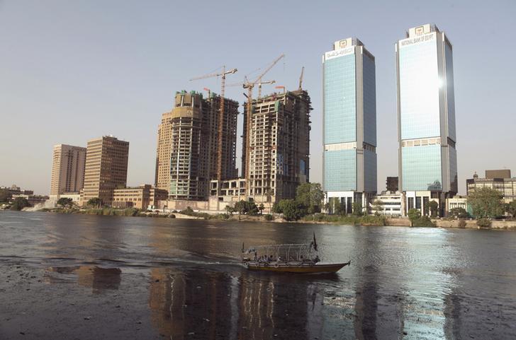 مصادر: البنك الأهلي المصري يجري محادثات لإصدار سندات دولارية