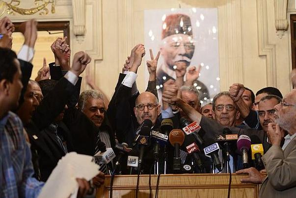7 أحزاب تطالب الرئيس بحوار جاد حول قوانين الانتخابات أو إرجائها للرئيس المنتخب