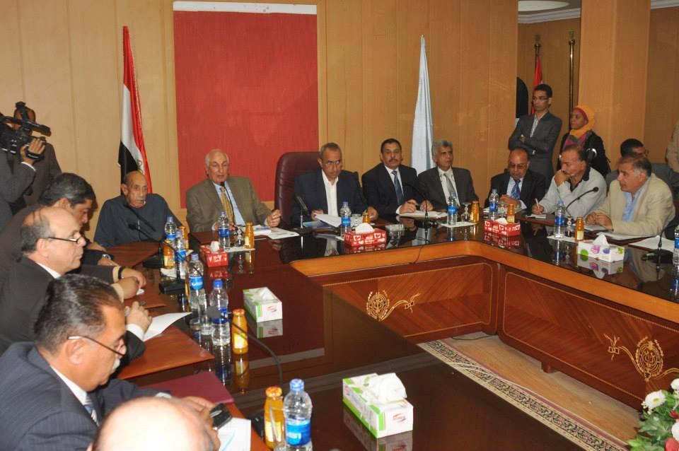 وزير الزراعة يعلن أسعار القمح والقطن والذرة للموسم الجديد