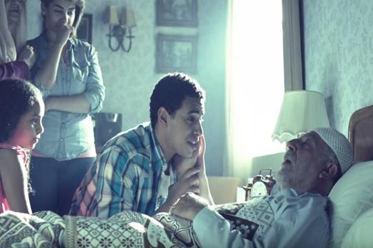 حماية المستهلك يوقف بث إعلان شركة محمول لتحريضه على العنف الجسدي