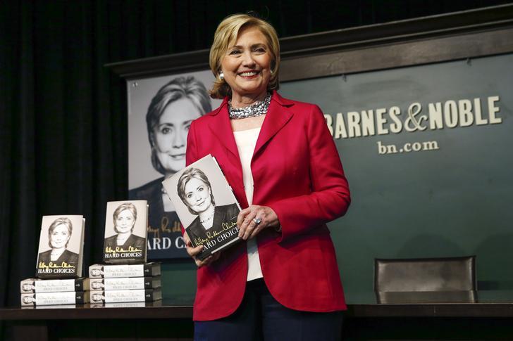 الواشنطن بوست: هيلاري كلينتون في مذكراتها